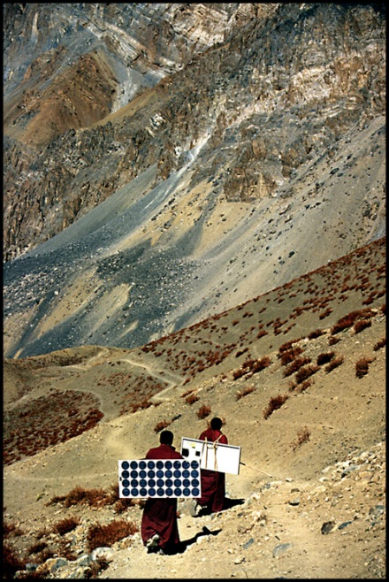 Solar panels being transported to a remote mountain community. [CREDIT: BAREFOOT PHOTOGRAPHERS OF TILONIA]