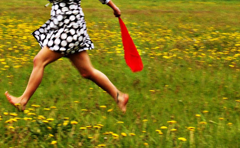 Running barefoot might be good for the soul, but is it good for the body too? <br>[credit: 802, flickr.com]