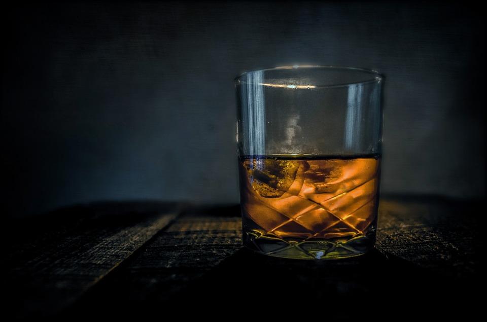 Why Does Whiskey Feel Like It Burns Scienceline